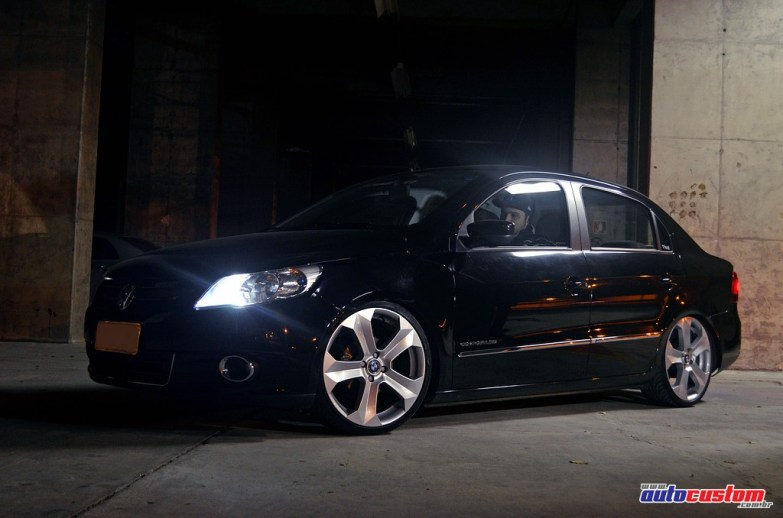 "Voyage 2011 preto rebaixado roda 18"" BMW X6"