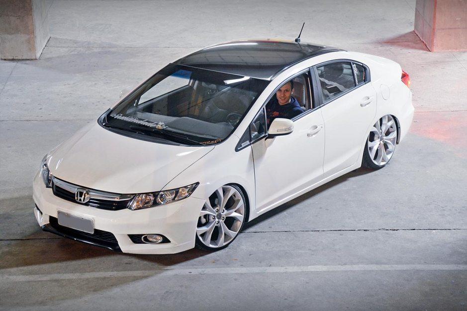 Civic 2014 LXR com aro 20 e suspensão rebaixada