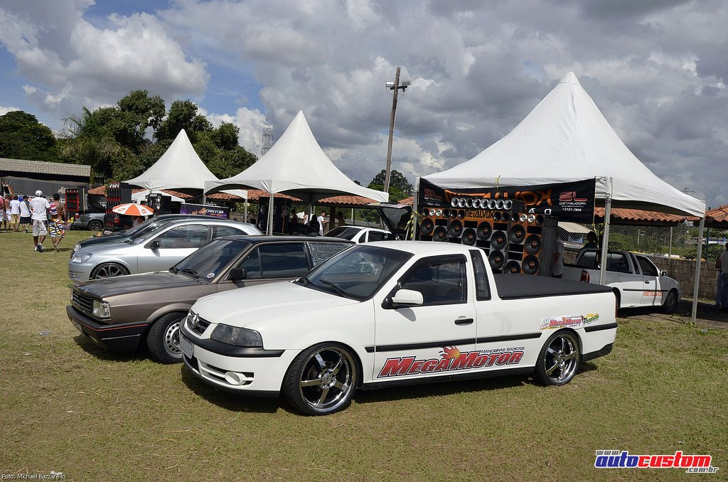 9-mega-motor-2013-burnout-wheeling-carros-som-128