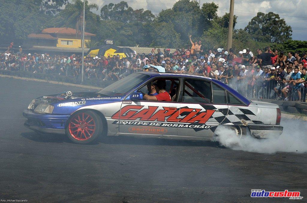 9-mega-motor-2013-burnout-wheeling-carros-som-148