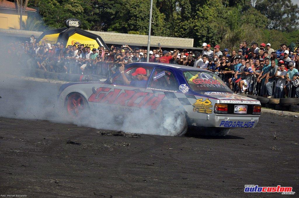 9-mega-motor-2013-burnout-wheeling-carros-som-168