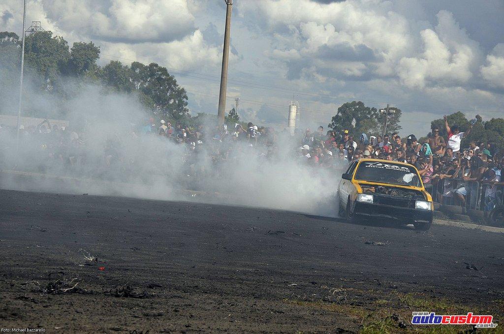 9-mega-motor-2013-burnout-wheeling-carros-som-199