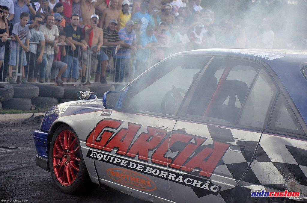 9-mega-motor-2013-burnout-wheeling-carros-som-209
