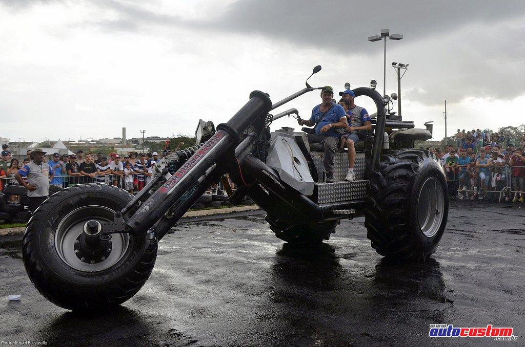 9-mega-motor-2013-burnout-wheeling-carros-som-258