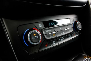 Ford Focus RS interieur-25