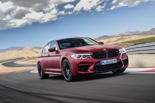 P90273025_lowRes_the-bmw-m5-first-edi