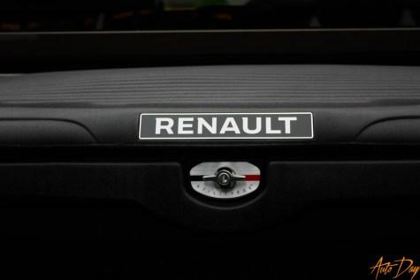 Renault Alaskan-21