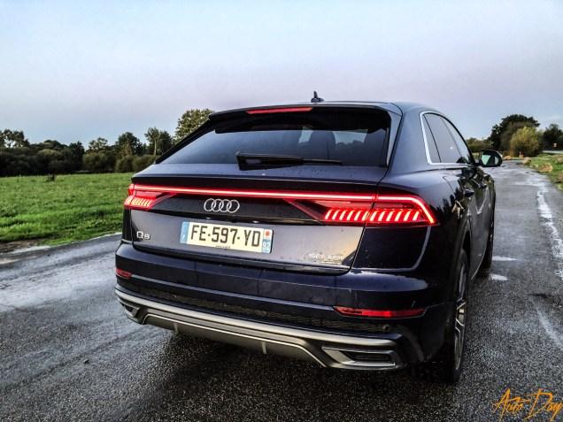 Audi Q8-12