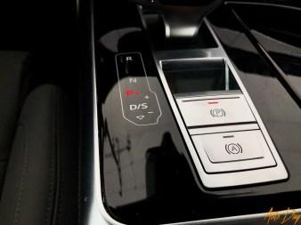 Audi Q8-32