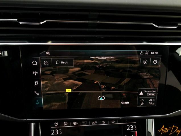 Audi Q8-54