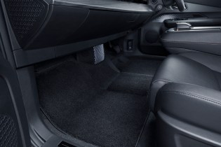 ARIYA Interior Image_ Front foot space-1200x800