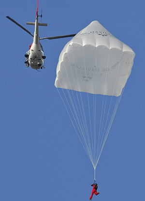 parachute-air-with-helicopter