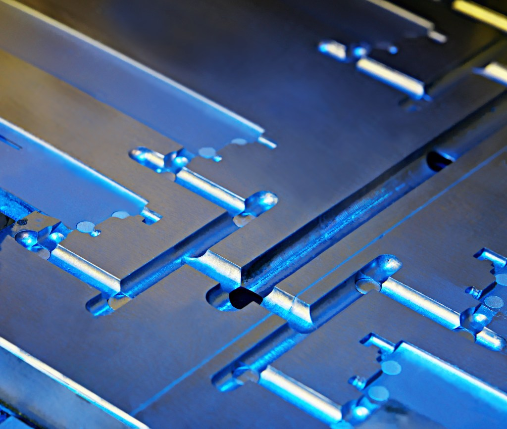 injection-molding-die-mold