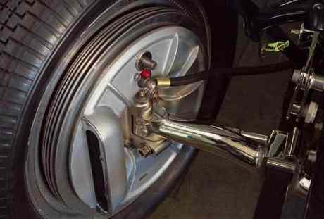 Tambor aletado usado em um Bugatti de corrida dos anos 1930 ( bugattirevue.com)