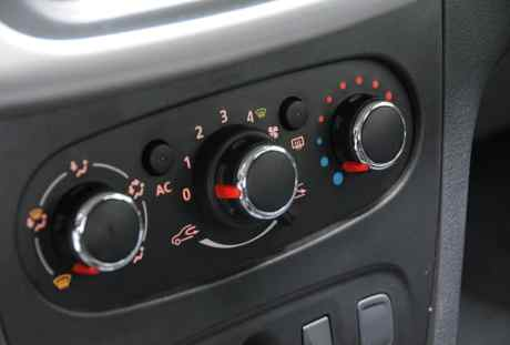 Renault Sandero Autentique 07