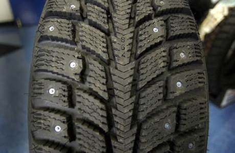 studded-tire