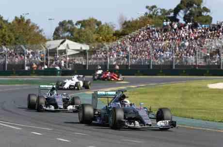 Lewis Hamilton segue sendo o primeiro da classe (Foto Mercedes Benz)