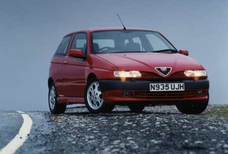 Alfa_Romeo-145_1997_800x600_wallpaper_01