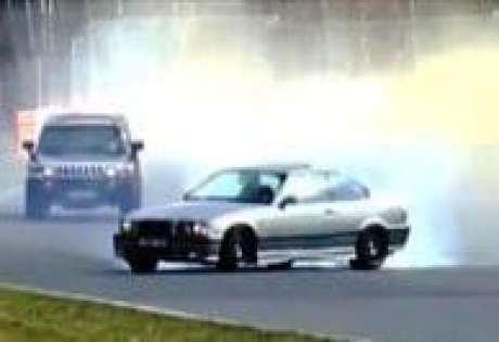 BMW-rodando-e-rodando