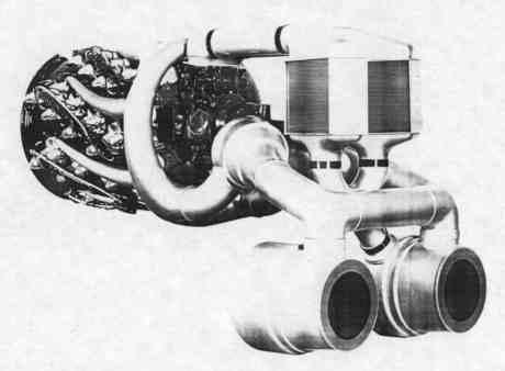 O arranjo para o R-4360 com VDT, com os dois turbocompressores em primeiro plano na foto (atomictoasters.com)