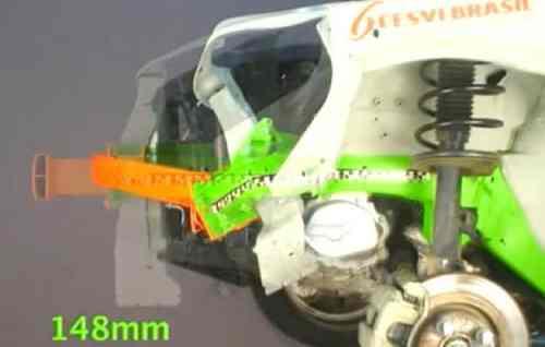 Deformação da longarina incorretamente reparada (fonte: opopular.vrum.com.br)