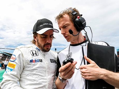Alonso: F-1 muito controlada o faz olhar para outras categorias (foto McLaren Media Centre)