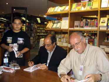 Da esquerda: Diogo Arendt, autor; Reinaldo Abrahão, autor; e Ronaldo Berg, autor do causo que é apresentado nesta matéria