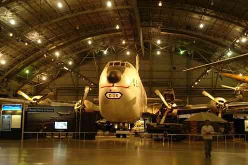 C-124 Globemaster II é cargueiro enorme