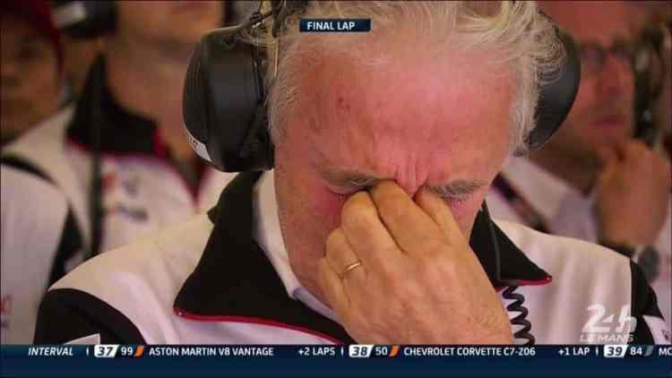 A expressão de Hugues de Chaunauc ilustra muito bem o clima no box da Toyota ao final da prova (Foto ACO)