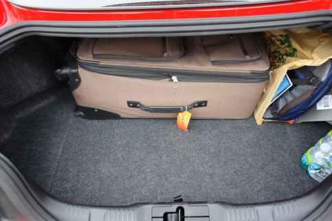 Essa mala é o tamanho máximo que pode ser transportado via aérea, bem grande