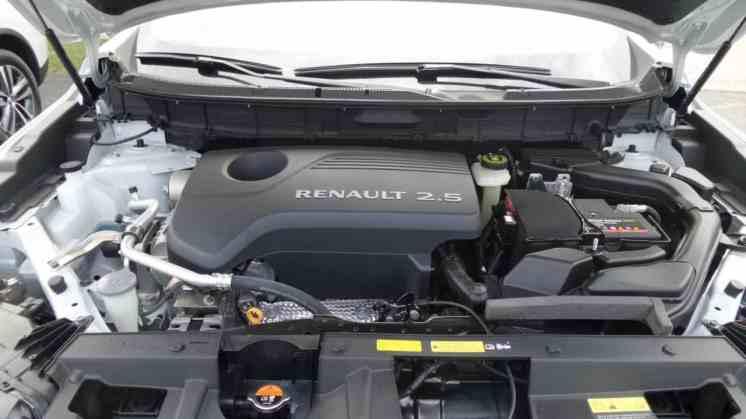 Pintura do compartimento do motor igual à externa