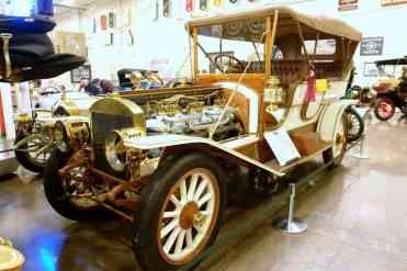 Maior carro do museu, impressionante