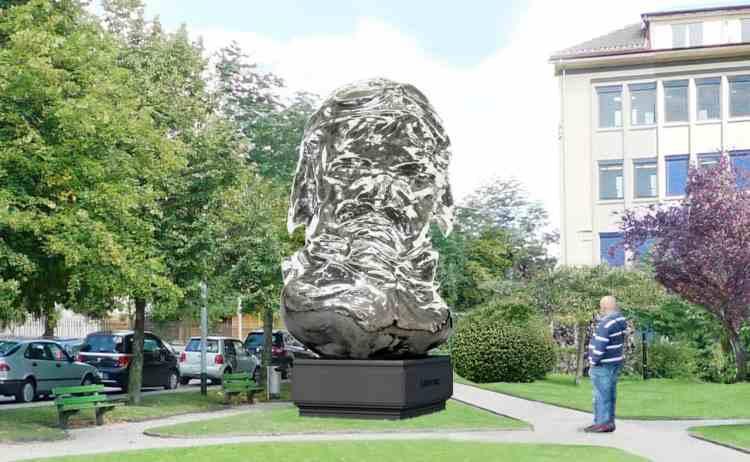 louis_chevrolet_gets_bust_in_la_chaux_de_fonds_switzerland_big_89829