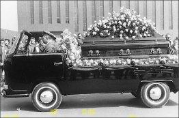 Detalhe do carro fúnebre