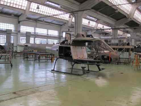 Helicóptero Esquilo em reforma