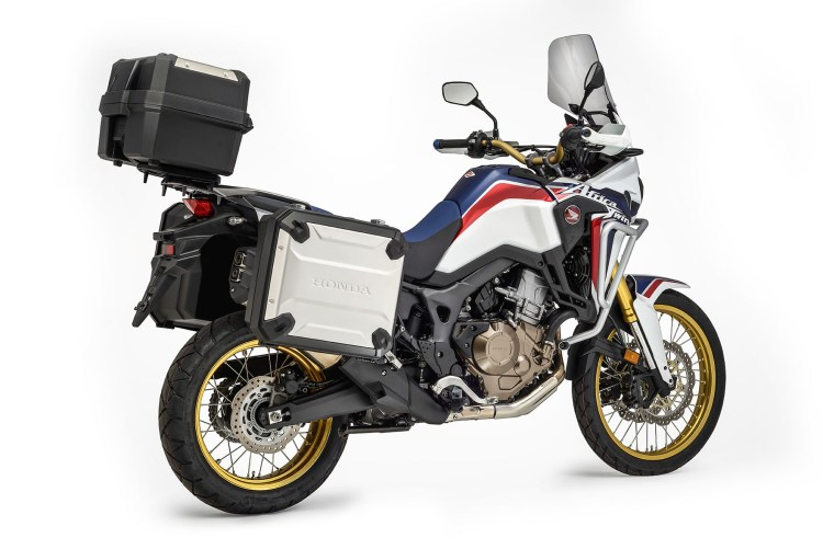 A Africa Twin Travel Adventure vem equipada com bauletos