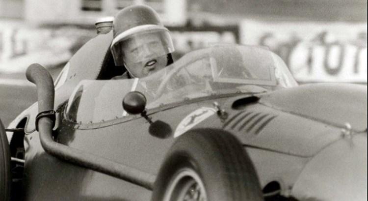 Mike Hawthorn foi campeão em 1958 e semanas depois anunicou que abanobnava as competições. Morreu em janeiro de 1959 (Foto Ferrari)