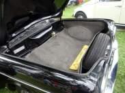 Porta-malas com acabamento original (Foto: autor)
