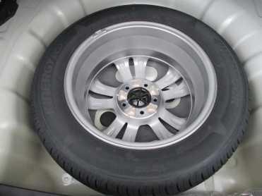 Estepe com roda e pneu iguais aos rodantes