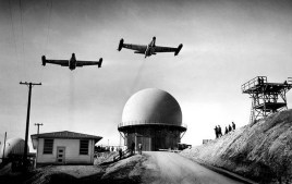 Dois Scorpion em exercício de interceptação na California