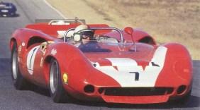 John Surtees no T70 (nsm05.casimages.com)