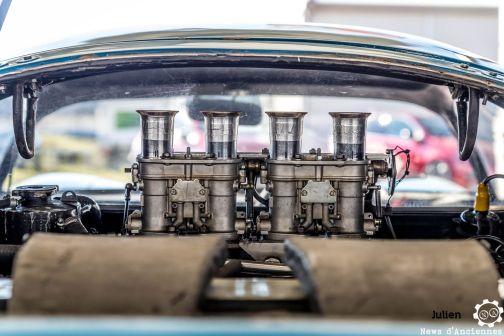 Montado transversalmente atrás do piloto, o pequeno 4-cilindros falava alto (newsdanciennes)