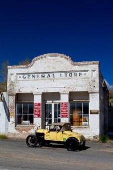 Uma das lojas que fecharam há décadas na Lincoln Highway, depois da abertura das rodovias interestaduais. Esta é em Eureka, Nevada, cidade com 400 habitantes