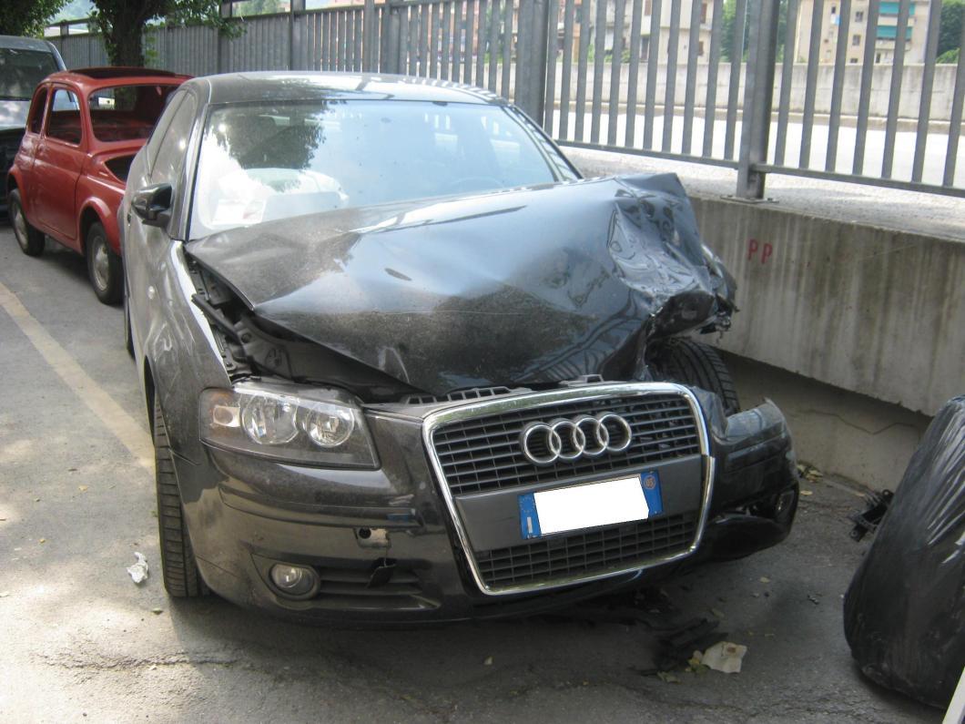 compro auto incidentata milano ovest