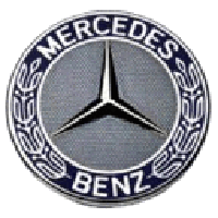 auto incidentata mercedes milano