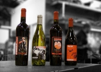 Click to enlarge [Motorcycle-Themed Wine from CorsaVino - pic 1]
