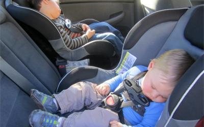 Alquilar un coche con silla infantil: ¡Protege lo que más quieres!