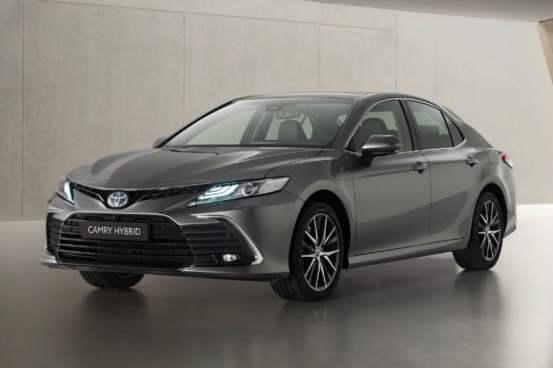 Ακόμα πιο μοντέρνο είναι το Toyota Camry Hybrid