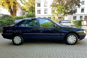 Έκθεση Peugeot 405 του 1994 με 8.760 χλμ!