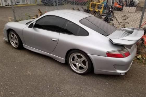 Τι κρύβει μια Porsche 911 Carrera 4 8.000 ευρώ;